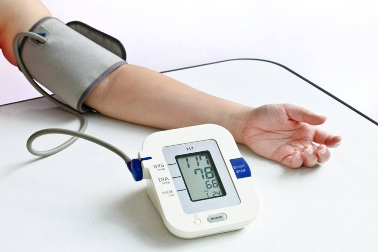 Digital-Blood-Pressure-Monitor-751×500[1]